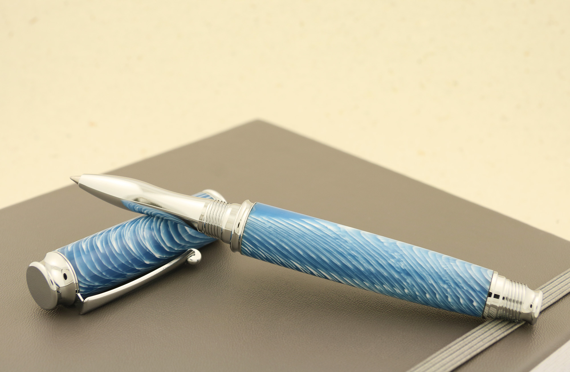 Shown here with Poly resin pen blank Maritime Blue